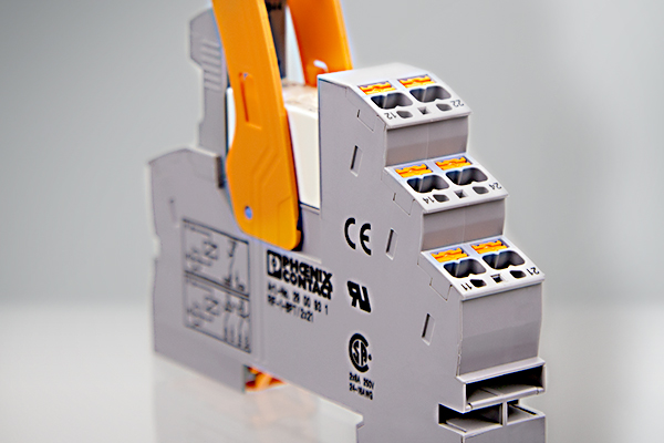 Coupling relays
