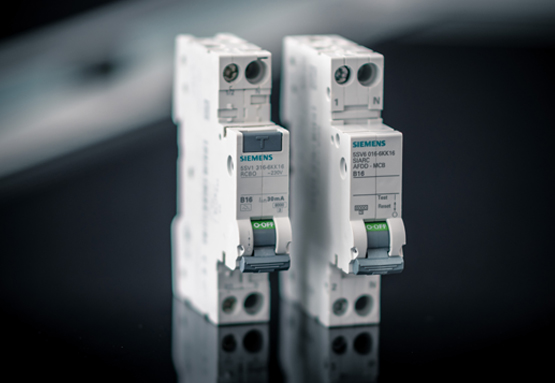 New: 5SV6 arc fault detection circuit breaker (right) and 5SV1 FI/LS (left) from Siemens